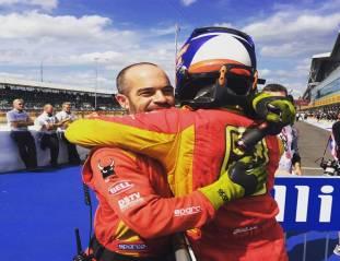 @gp2_official: Let's hug it out! @alexrossi16 @racingengineering #GP2 #Motorsport #NeedForSpeed